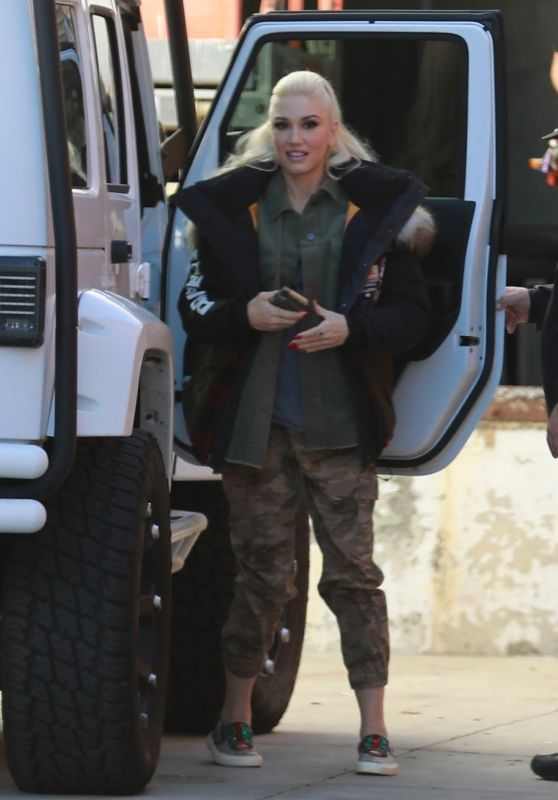 Gwen Stefani - Arrives at the Studio in LA 12/08/2018