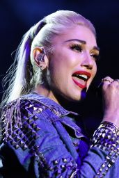 Gwen Stefani – Performs at the One Love Malibu Festival 12/02/2018