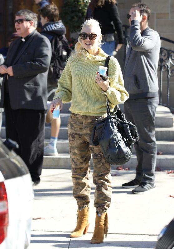 Gwen Stefani Street Style 12/16/2018