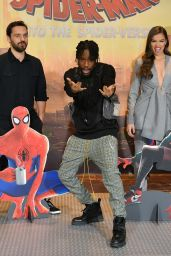 "Hailee Steinfeld - ""Spider-Man: Into the Spiderverse"" Photocall in LA"