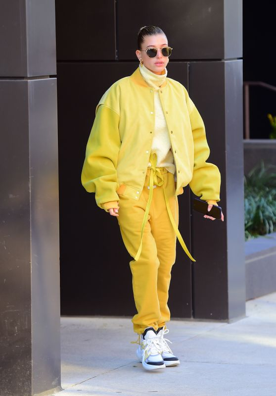 Hailey Baldwin Bieber Street Fashion 12/10/2018