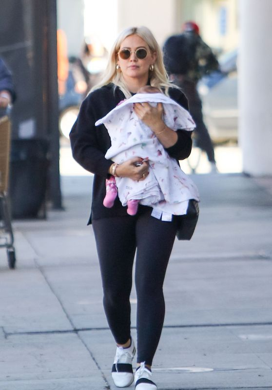 Hilary Duff - Out in Los Angeles 12/07/2018