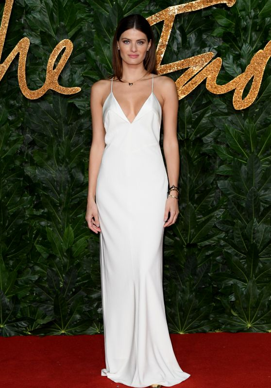 Isabeli Fontana – The Fashion Awards 2018 in London