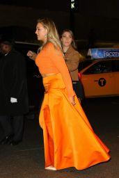 Iskra Lawrence Exits Oreal Paris Women Worth Celebration Nyc Thumbnail Mandy Moore Huge Grey Purse
