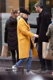Jennifer Lawrence Street Style 12/15/2018