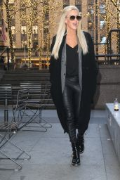 Jenny McCarthy Style - Out in NYC 12/19/2018