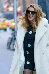 Julia Roberts Style - Out in New York 12/04/2018