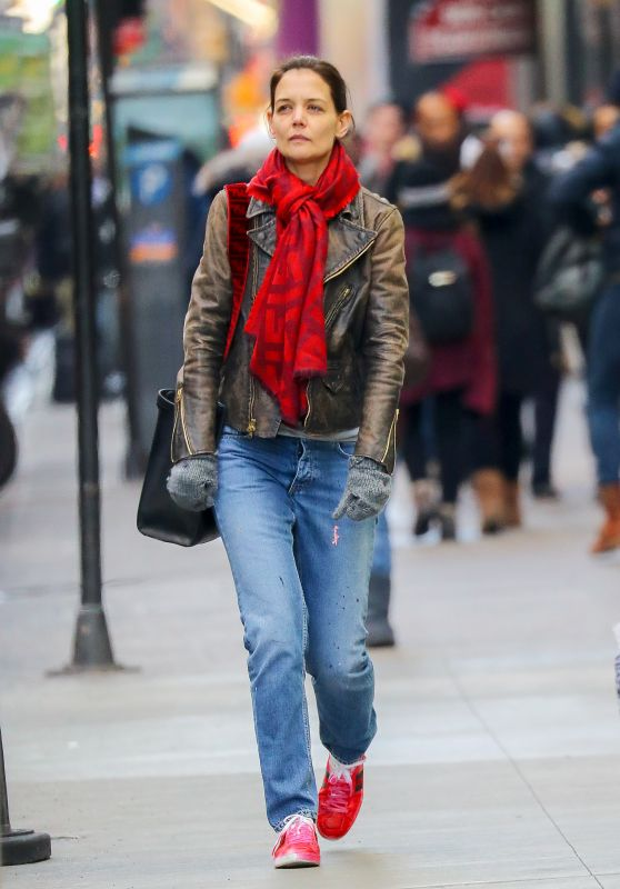 Katie Holmes Street Style 12/12/2018