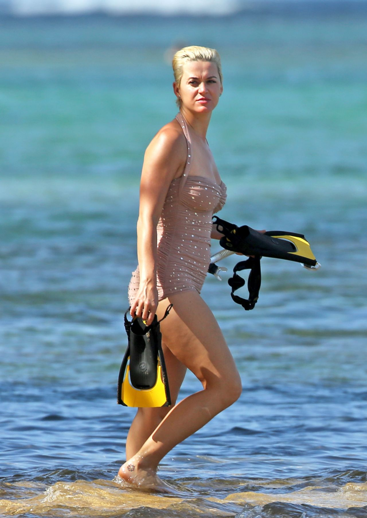 Katy Perry In Swimsuit 12242018-5362