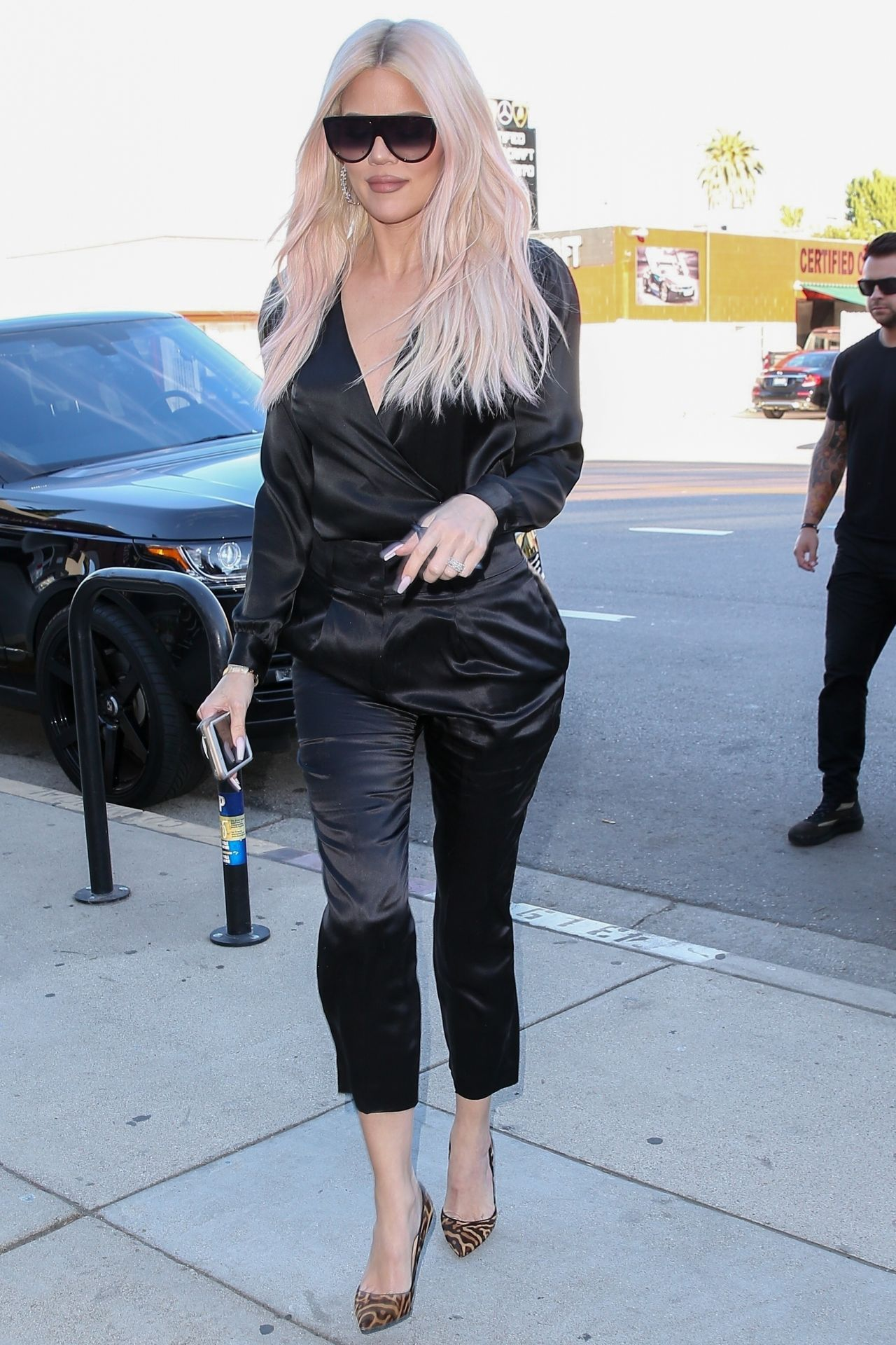 9c8d8daab1753 Khloe Kardashian Style and Fashion - Los Angeles 12/19/2018