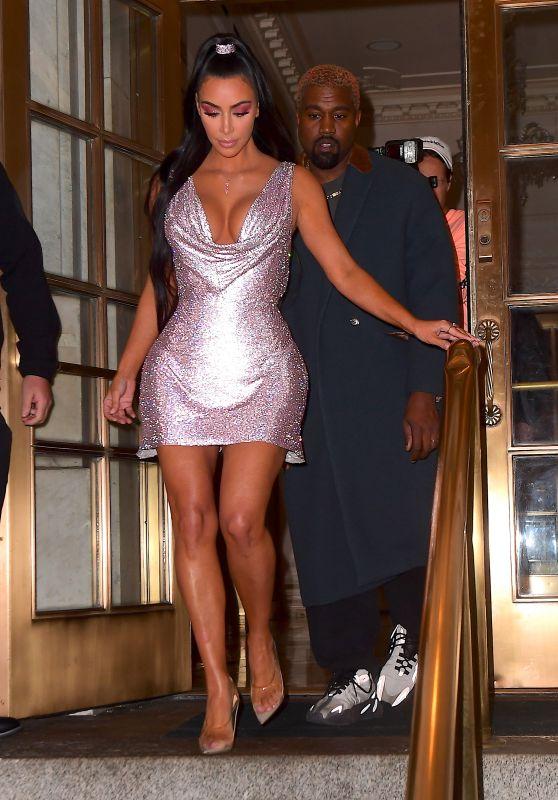 Kim Kardashian – Arriving to the Versace Pre-Fall 2019 Fashion Show in NY