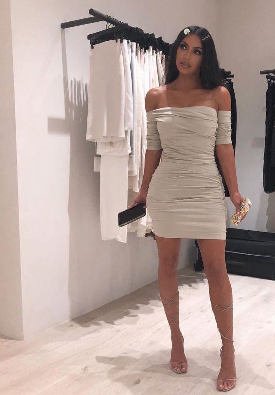 Kim Kardashian - Personal Pics 12/04/2018