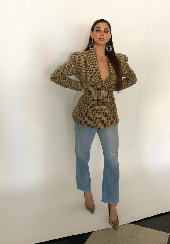 Kira Kosarin - Personal Pics 12/26/2018