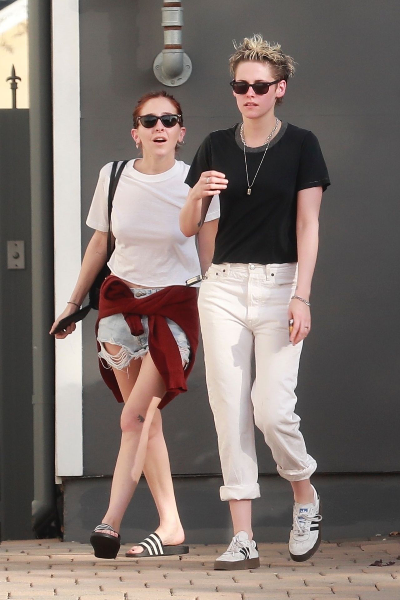 Kristen Stewart And Sara Dinkin - Heads To The Spa And -7942