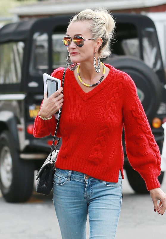 Laeticia Hallyday - Country Mart in Brentwood, November 2018