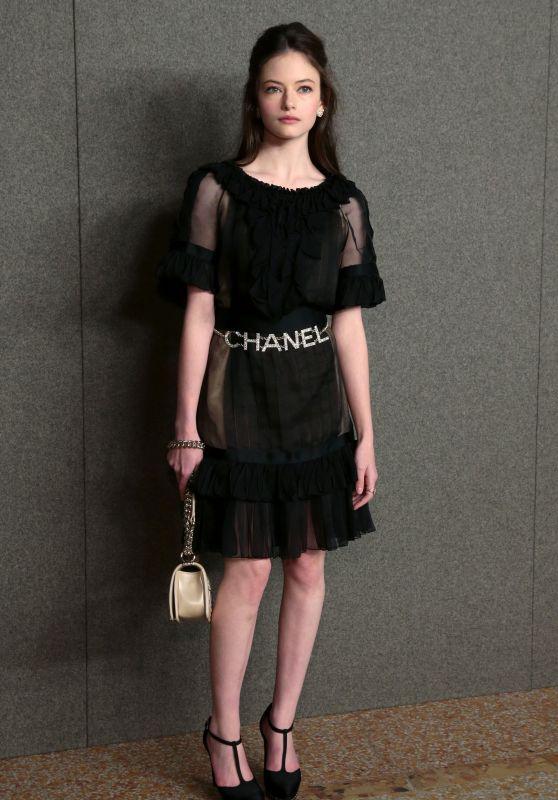 Mackenzie Foy Chanel Metiers D Art Show In New York 12