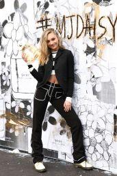 Maddie Ziegler - Daisy Marc Jacobs Popup Newsstand 12/05/2018