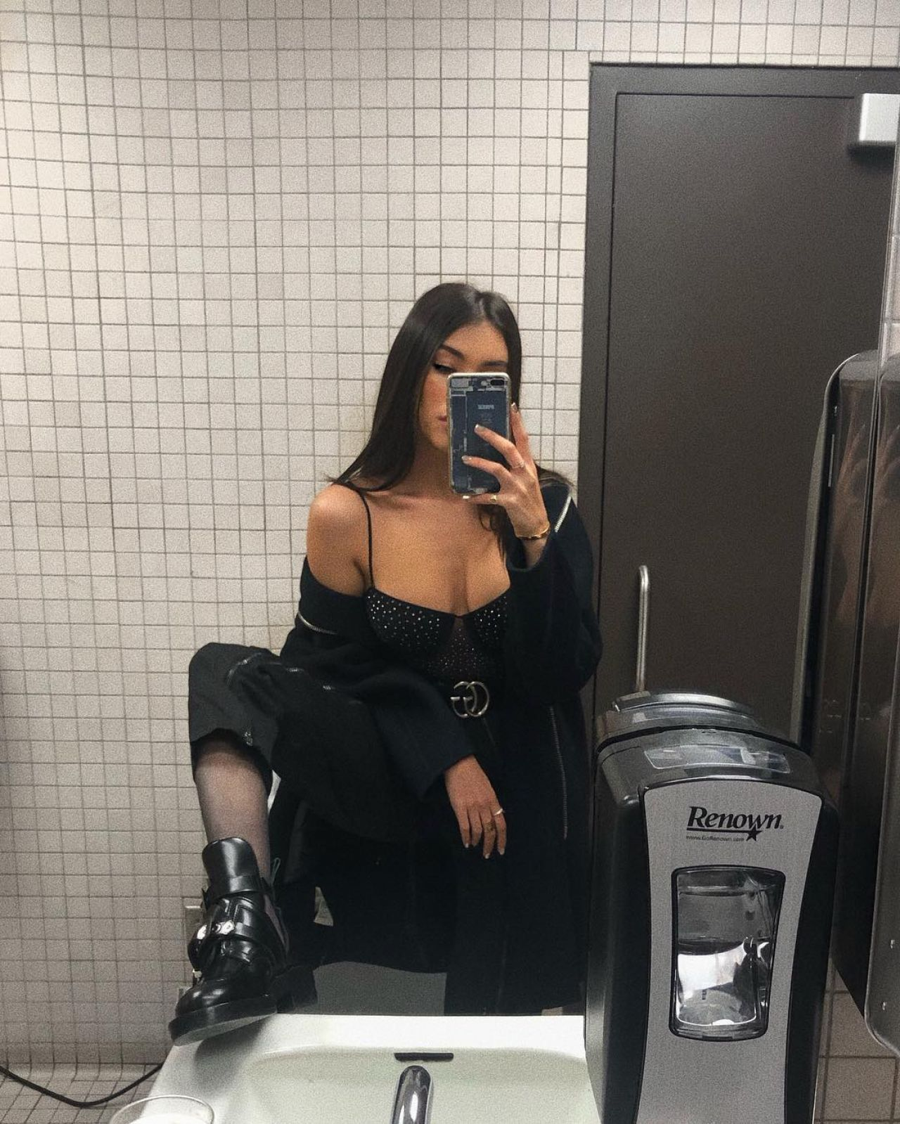 Madison Beer – Personal Pics, December 2018