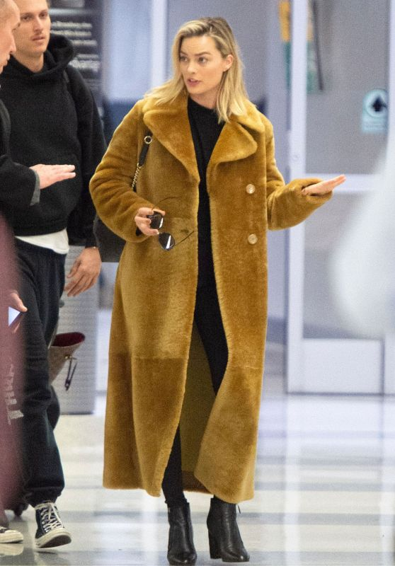 Margot Robbie - JFK Airport in NYC 12/2/2018