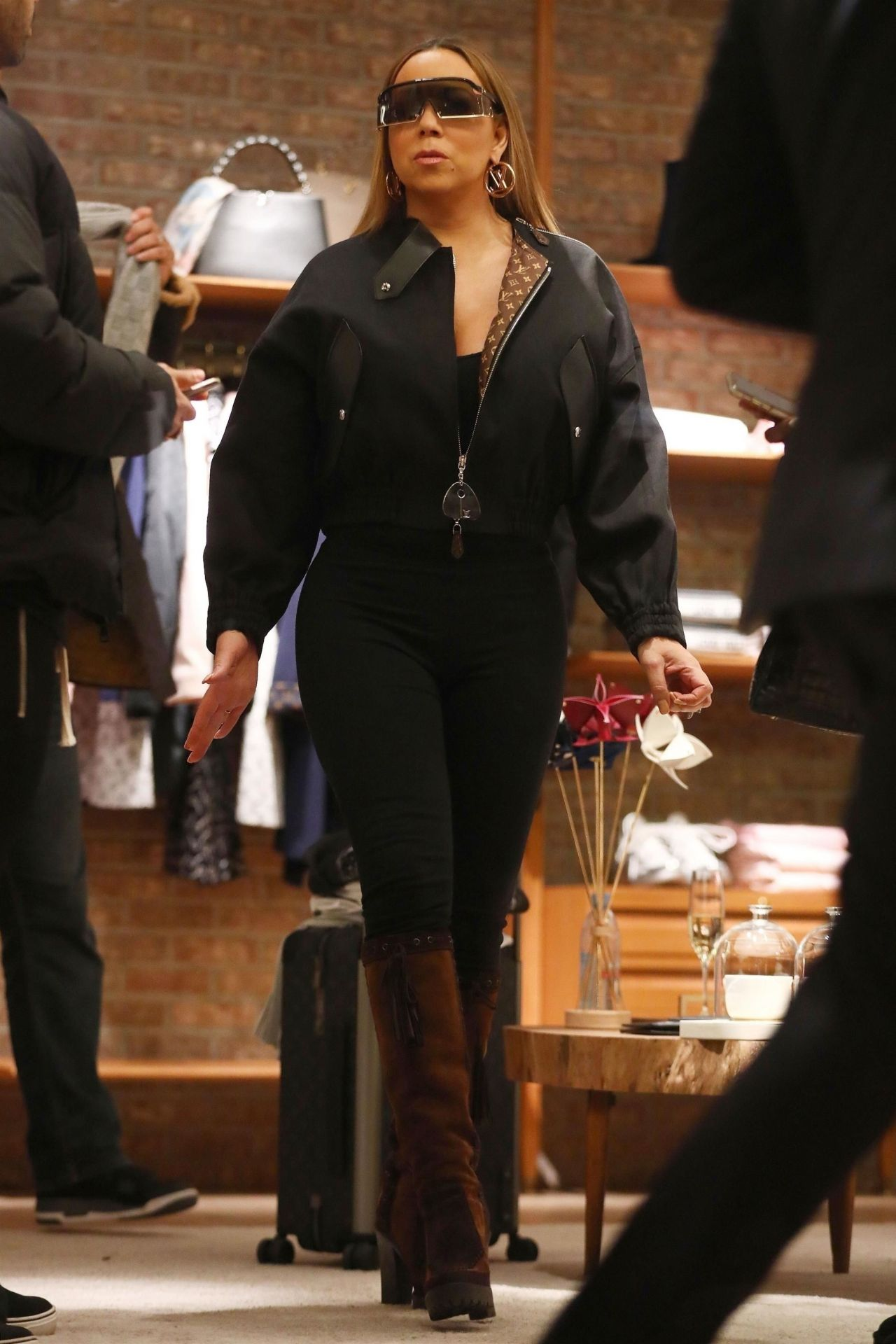 Mariah Carey Shopping In Aspen 12 21 2018