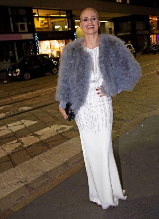 Michelle Hunziker is Stylis in Alberta Ferretti Dress in ...