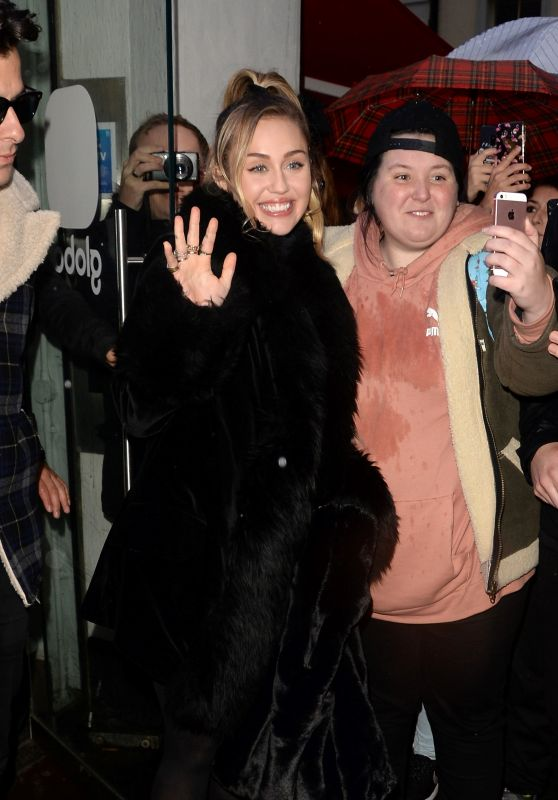 Miley Cyrus - Leaving the Capital Radio in London 12/07/2018