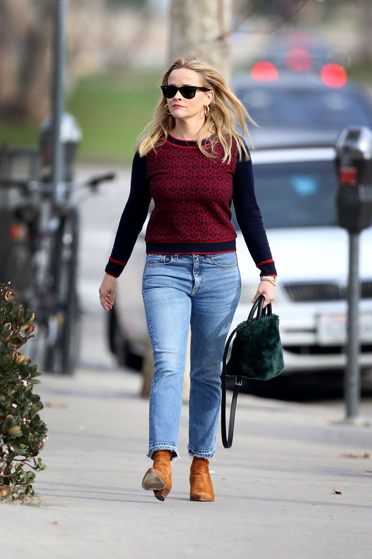 Reese Witherspoon Street Style 12 23 2018