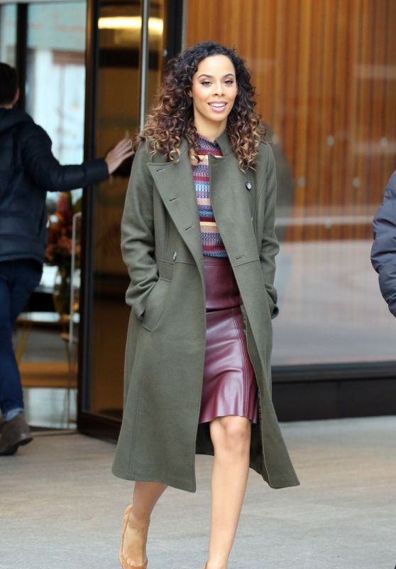 """Rochelle Humes - Filming """"This Morning"""" Outside ITV Studios in London 12/10/2018"""