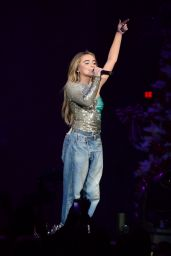 Sabrina Carpenter Performs Live - Tampa Jingle Ball 12/15/2018