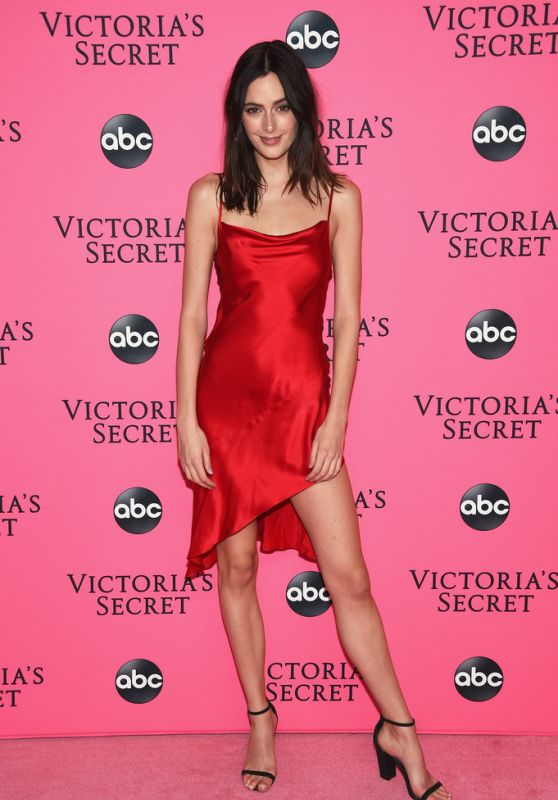 Sadie Newman – 2018 Victoria's Secret Viewing Party in NYC
