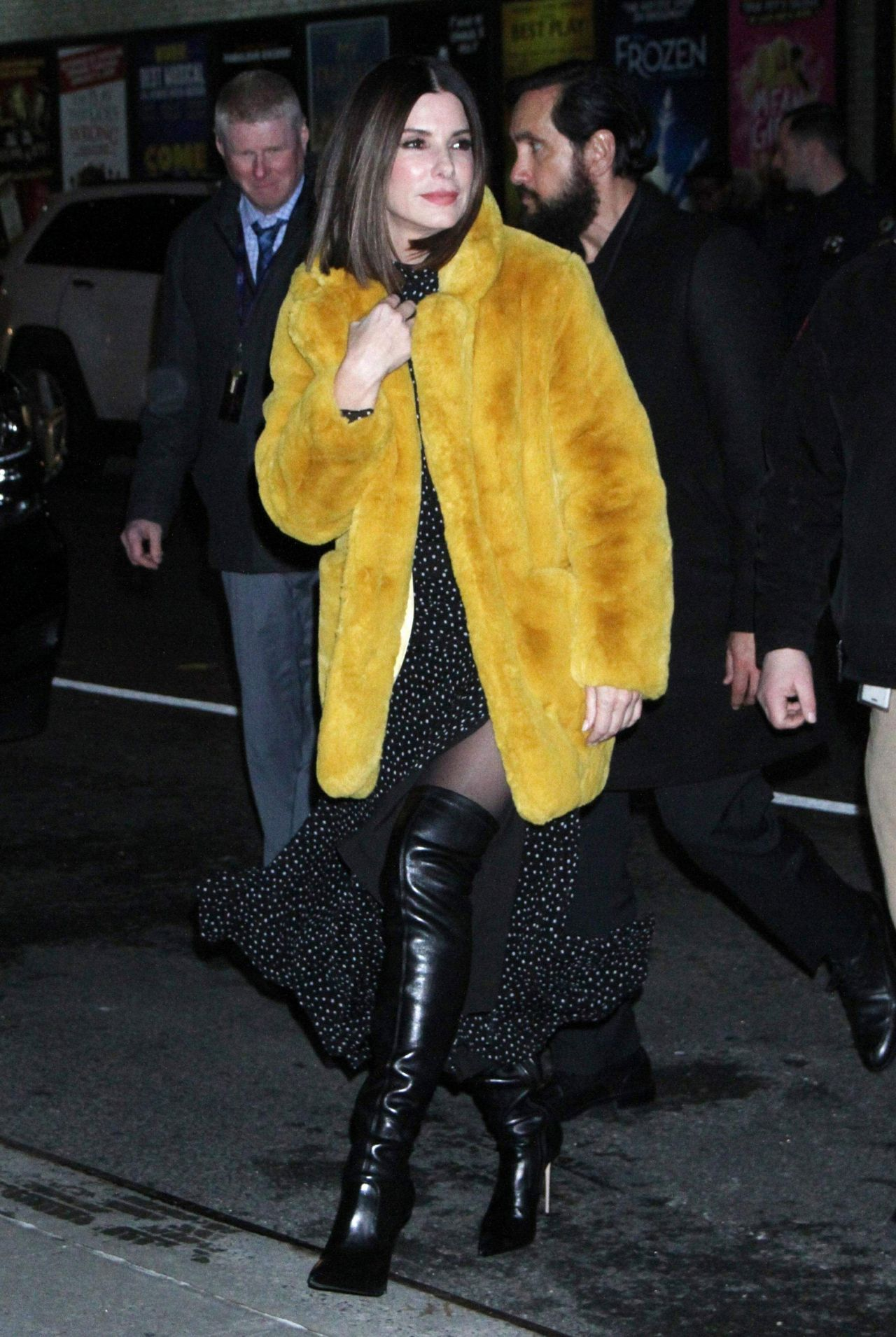 Sandra Bullock Arrives To Quot The Late Show With Stephen