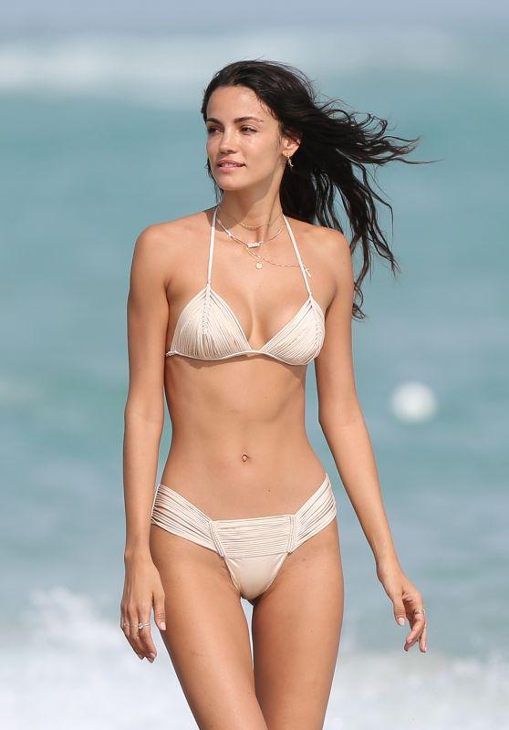 Sofia Resing in Bikini 12/09/2018