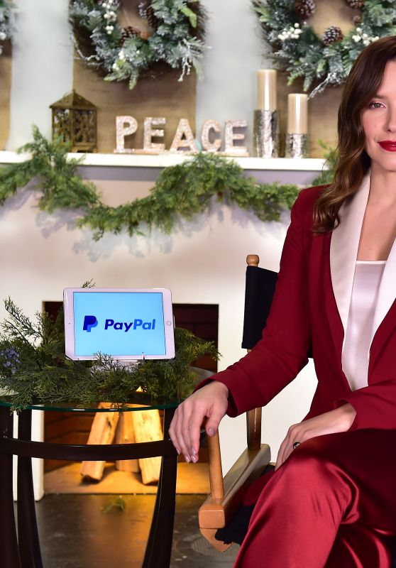 "Sophia Bush - Joining PayPal in Support of the ""Giving Tuesday"" Movement in LA"