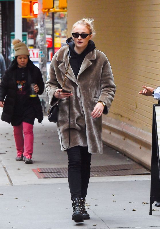 Sophie Turner Winter Style 12/17/2018