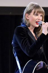Taylor Swift - Ally Coalition Talent Show in New York 12/05/2018
