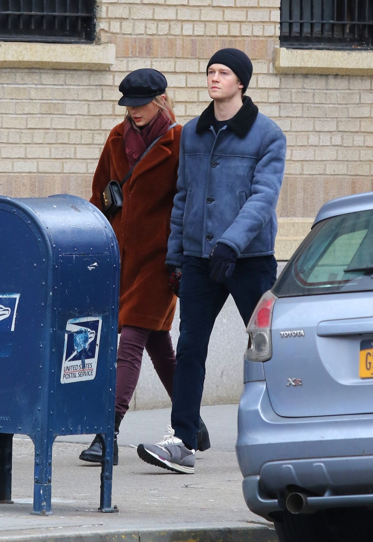 Taylor Swift With Boyfriend Joe Alwyn - NYC 12/29/2018