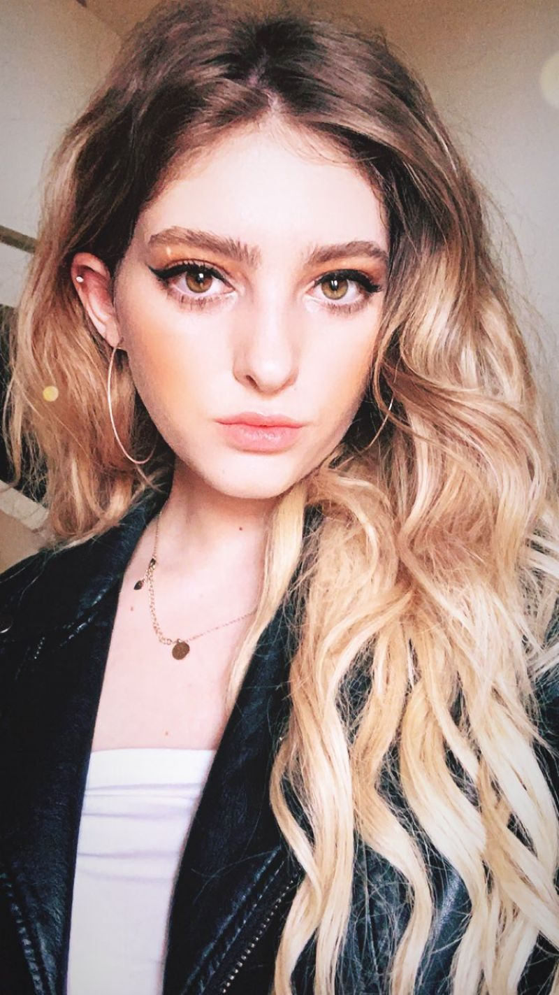 Willow Shields Personal Pics 12 17 2018
