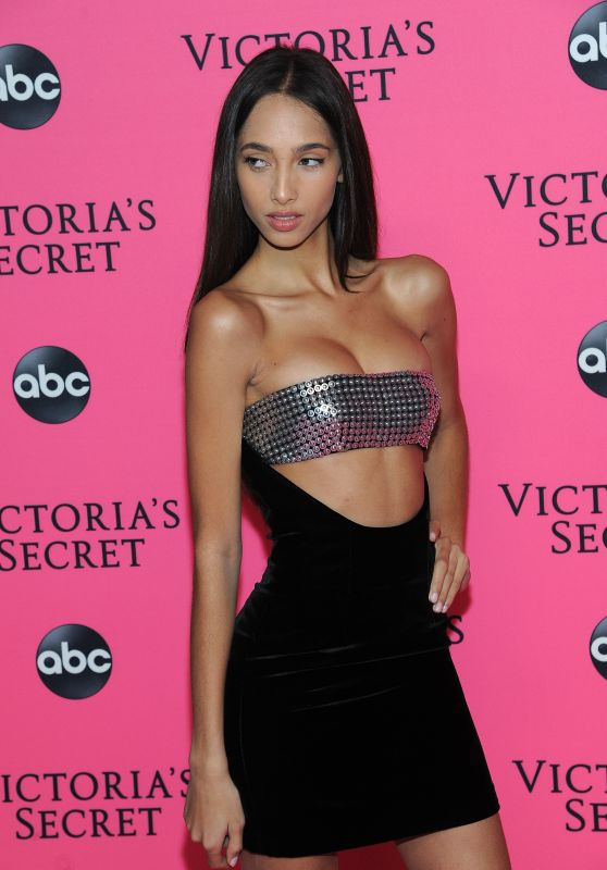 Yasmin Wijnaldum – 2018 Victoria's Secret Viewing Party in NYC