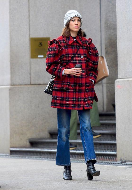 Alexa Chung Winter Street Style 01/03/2019
