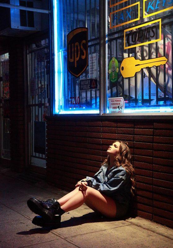 Alexis Jayde Burnett - Personal Pics 01/25/2019