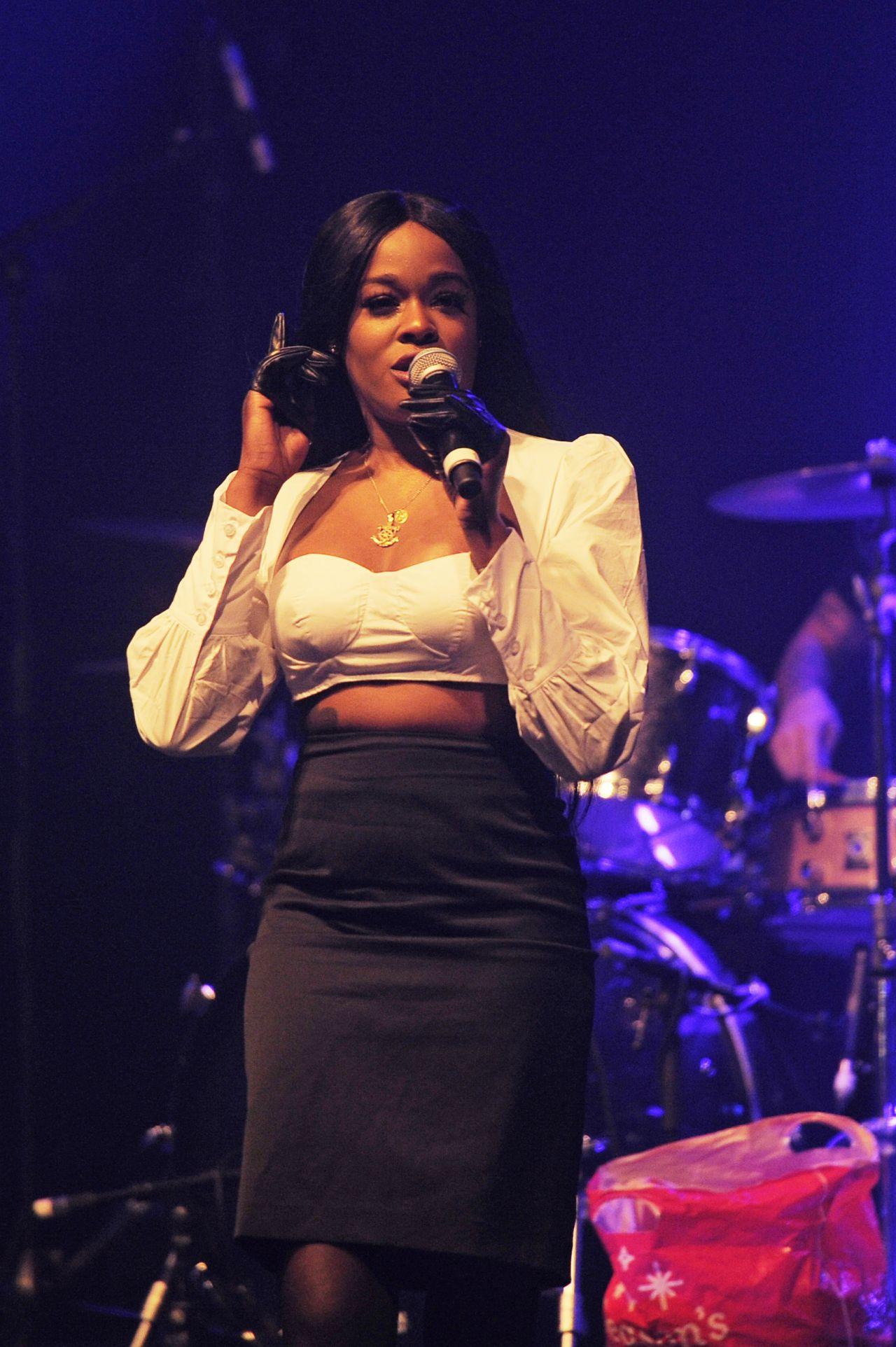 Azealia Banks - Performing in London 01/27/2019 • CelebMafia