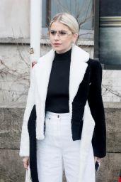 Caroline Daur - Jacquemus Fall / Winter 2019-2020 Fashion in Paris