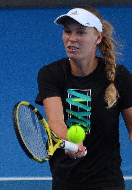 Caroline Wozniacki – Practicing in Melbourne 01/13/2019