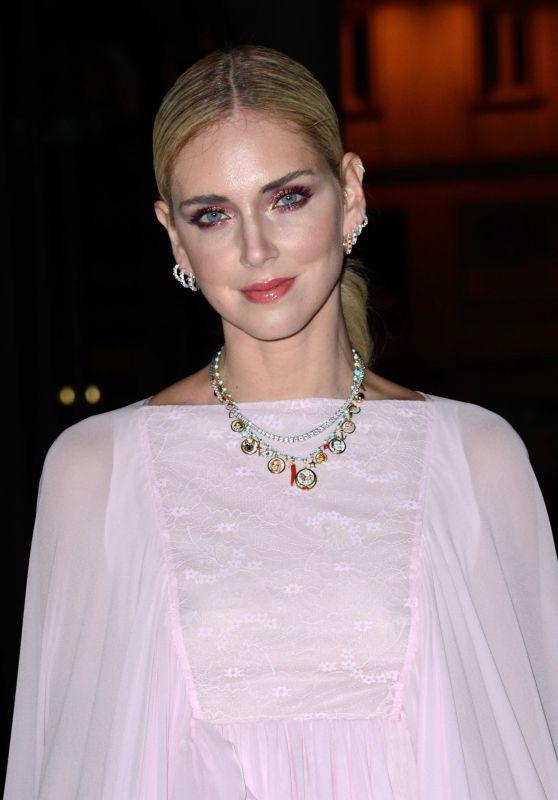 Chiara Ferargni – Giambattista Valli Haute Couture Spring-Summer 2019 Show in Paris