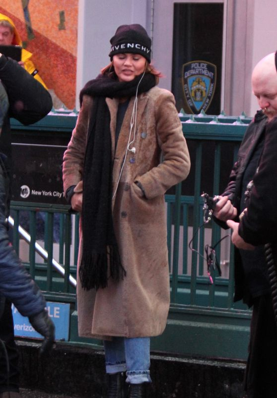 Chrissy Teigen - Times Square in NYC 12/31/2018