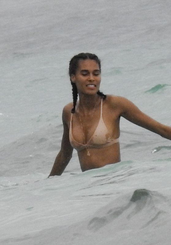 Cindy Bruna in Swimwear on the Beach in Bali 01/03/2019
