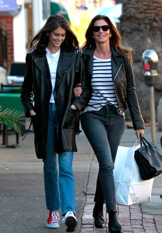 Cindy Crawford and Kaia Gerber - Shopping in LA 01/04/2019