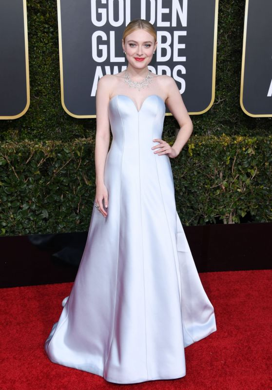 Dakota Fanning – 2019 Golden Globe Awards Red Carpet