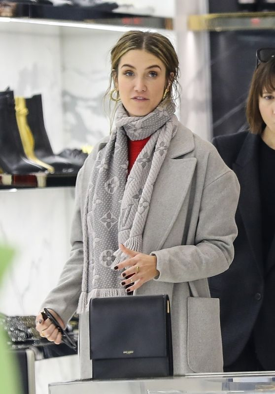 Delta Goodrem - Shopping in Beverly Hills 01/12/2019