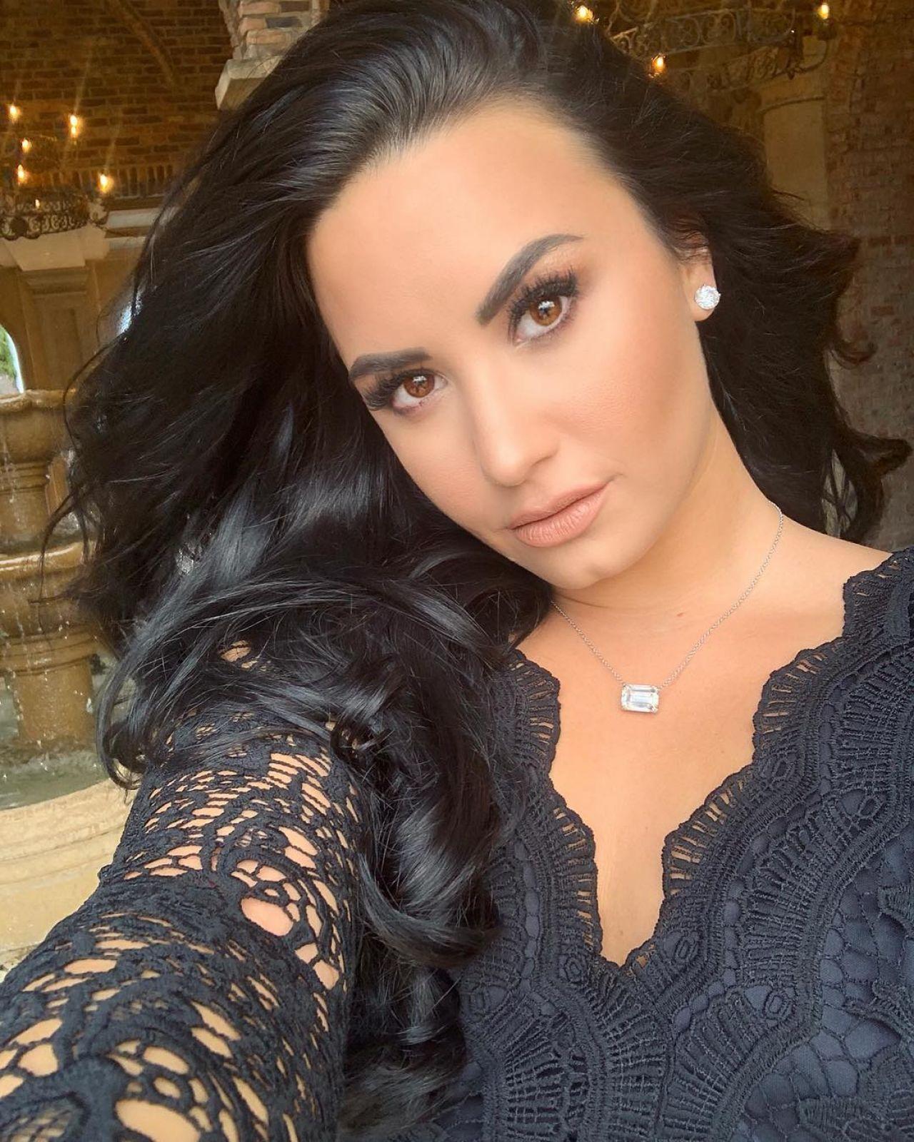 Demi Lovato - Personal Pics 01152019-7480
